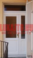 Fehér, kétszárnyú fa bejárati ajtó csere Budapest I. kerület