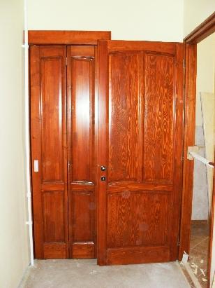 felületkezelt borovi beltéri ajtók, fa harmonikaajtó bal szélen
